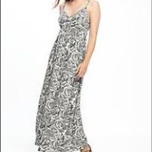 OLD NAVY // Patterned Maxi Dress